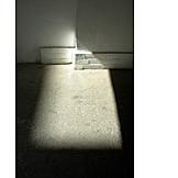 Narrow, Cellar, Light incidence