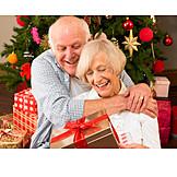 Christmas eve, Bestow, Older couple