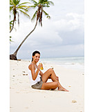 Young Woman, Indulgence & Consumption, Relaxation & Recreation, Beach, Vacation