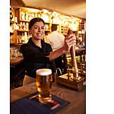 Bar, Pine cone, Barkeeper