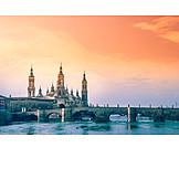 Ebro, Saragossa, Basílica del pilar, Puente de piedra