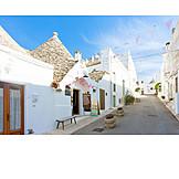 Alley, Alberobello
