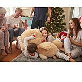 Kinder, Kuscheln, Weihnachtsgeschenk
