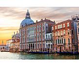 Venice, Palace